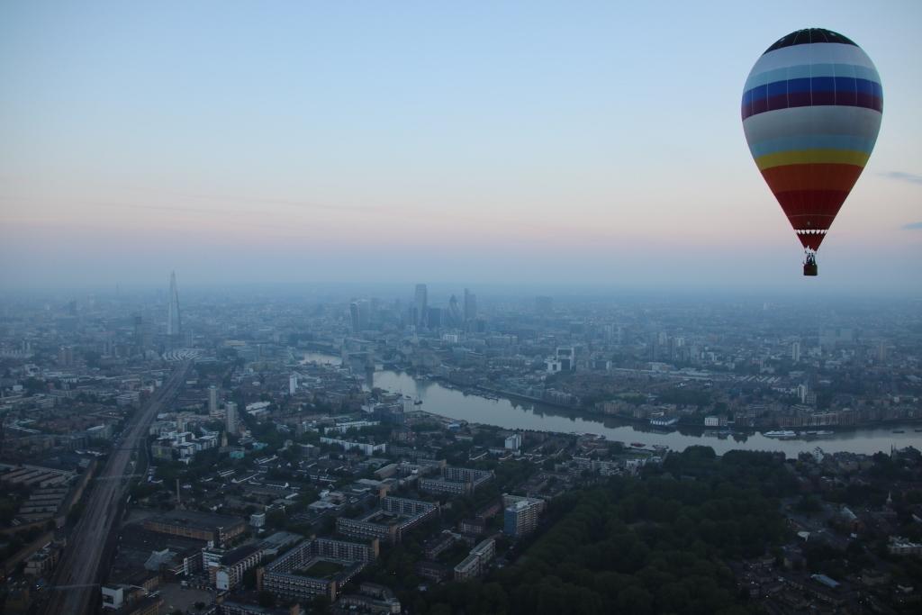 vuelo globo londres portada